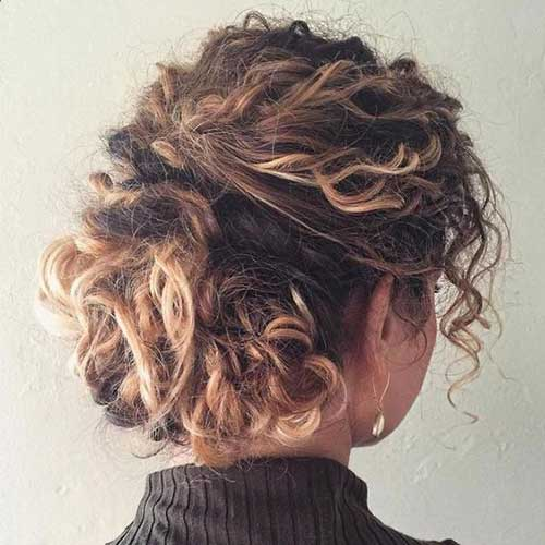 Hairstyles for Curly Hair-9