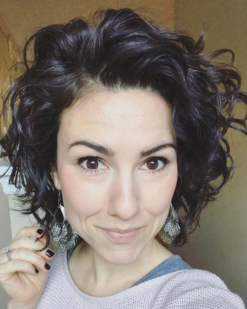 Short Haircuts For Curly Wavy Hair
